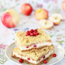 Karamelline õuna-pohla kohupiima purukook
